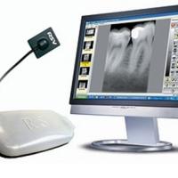 Новую цифровую камеру SiroCam digital можно установить как на блоке врача