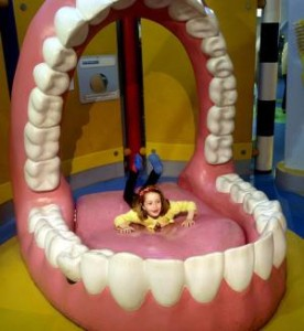 гигантские зубы