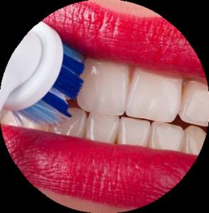 krovotochat-desna-pri-chistke-zubov